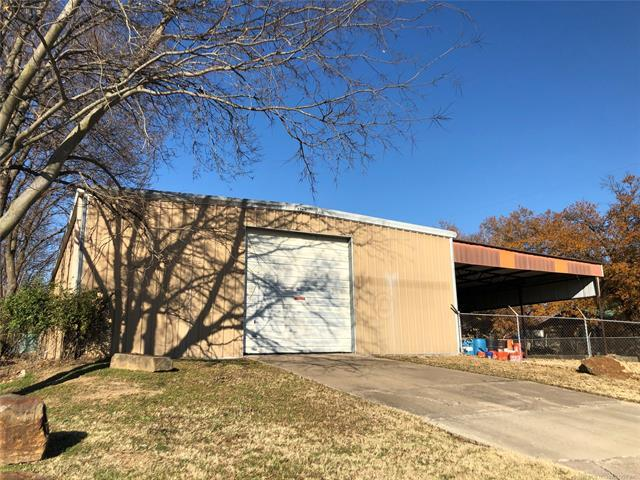 1015 E 13th Street, Okmulgee, OK 74447 (MLS #1843643) :: Hopper Group at RE/MAX Results