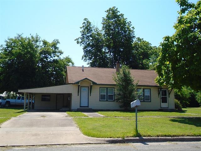 109 N Adair Street, Pryor, OK 74361 (MLS #1843889) :: American Home Team