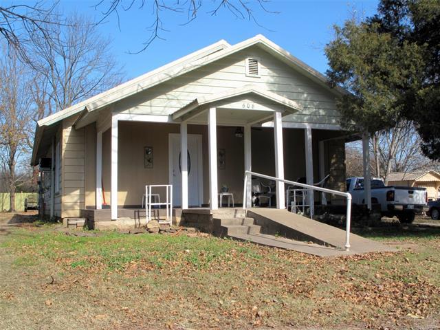 606 W Mayfield Street, Vian, OK 74962 (MLS #1844346) :: American Home Team