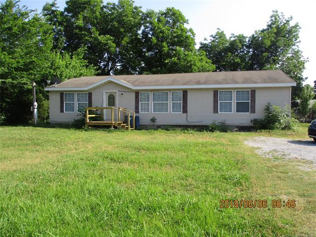 1308 E Pennsylvania Street E, Hartshorne, OK 74547 (MLS #1844387) :: American Home Team
