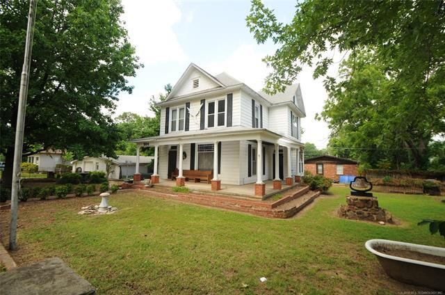 504 S Broadway Street, Coweta, OK 74429 (MLS #1844446) :: Hopper Group at RE/MAX Results