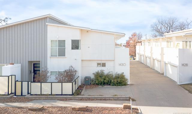1430 S Quincy Avenue C, Tulsa, OK 74120 (MLS #1844814) :: American Home Team