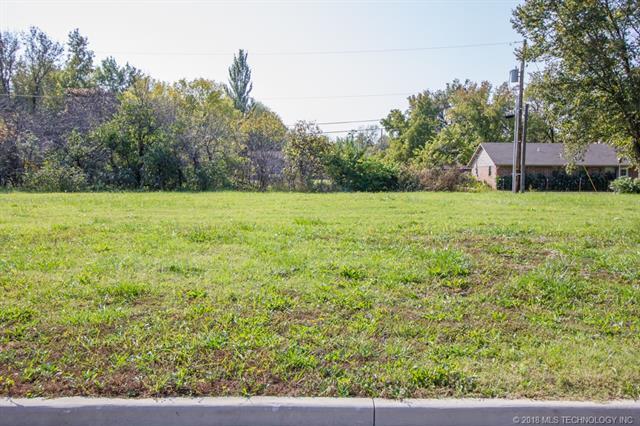 414 W 7th Street, Dewey, OK 74029 (MLS #1844915) :: American Home Team