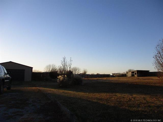 14062 S Crestview Road, Oologah, OK 74053 (MLS #1845140) :: Hopper Group at RE/MAX Results