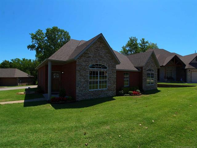 431 Foxwood Drive, Sapulpa, OK 74066 (MLS #1845355) :: American Home Team