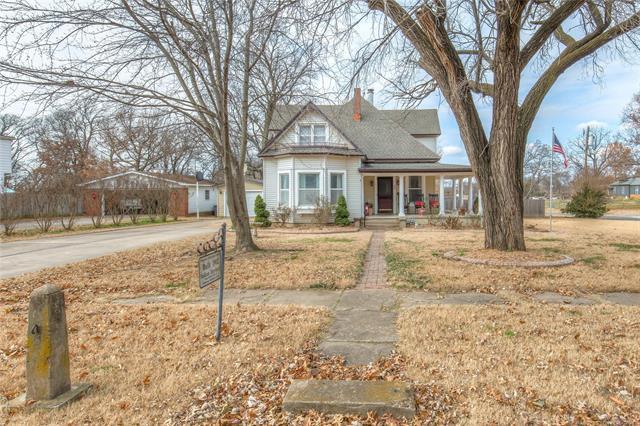 809 N Parkinson Avenue, Wagoner, OK 74467 (MLS #1845519) :: American Home Team