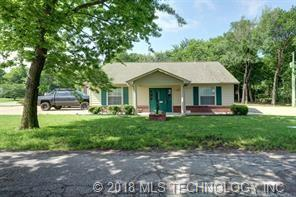 405 W Claremore Street, Claremore, OK 74017 (MLS #1845668) :: American Home Team