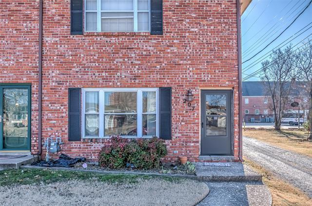 207 W 9th Street, Bartlesville, OK 74003 (MLS #1845836) :: Hopper Group at RE/MAX Results