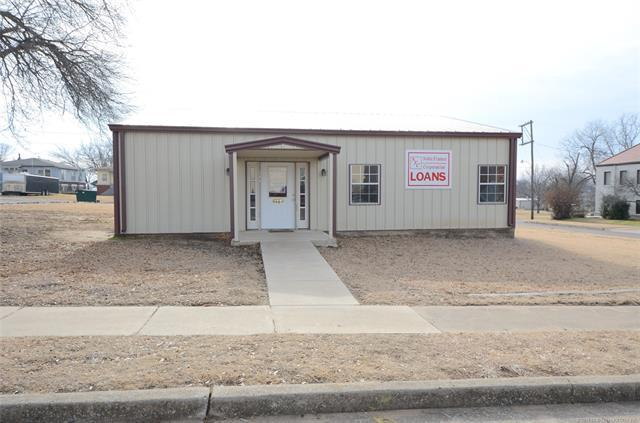 144 W 6th Avenue, Bristow, OK 74010 (MLS #1846026) :: Hopper Group at RE/MAX Results