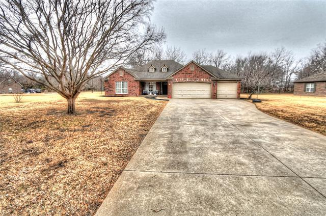 8924 E 104th Street North, Owasso, OK 74055 (MLS #1900286) :: Hopper Group at RE/MAX Results