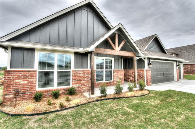 13831 N 132nd East Avenue, Collinsville, OK 74021 (MLS #1900466) :: Hopper Group at RE/MAX Results