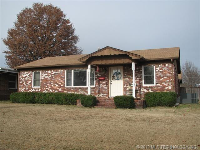 2218 Delaware Street, Muskogee, OK 74403 (MLS #1900879) :: Hopper Group at RE/MAX Results