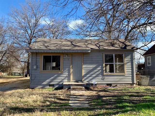 214 E Street SE, Ardmore, OK 73401 (MLS #1900895) :: Hopper Group at RE/MAX Results