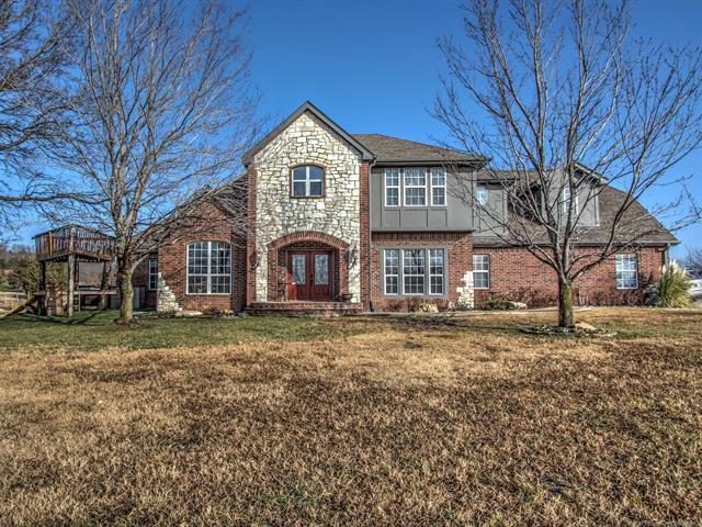 1156 W 141st Street, Glenpool, OK 74033 (MLS #1901735) :: 918HomeTeam - KW Realty Preferred