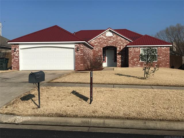 11109 E 118th Street North, Collinsville, OK 74021 (MLS #1901757) :: RE/MAX T-town