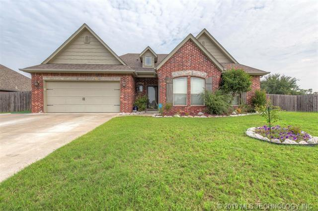 9305 E 93rd Street N, Owasso, OK 74055 (MLS #1902227) :: 918HomeTeam - KW Realty Preferred