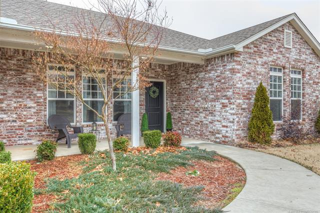 1116 S 222nd West Avenue, Sand Springs, OK 74063 (MLS #1902349) :: RE/MAX T-town