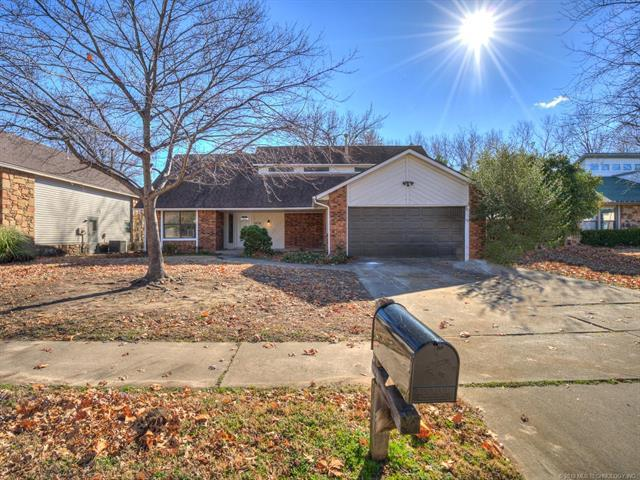 2625 S Elder Avenue, Broken Arrow, OK 74012 (MLS #1902383) :: 918HomeTeam - KW Realty Preferred