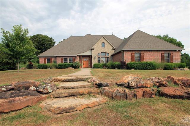 1715 E 156th Street North, Skiatook, OK 74070 (MLS #1902399) :: Hopper Group at RE/MAX Results