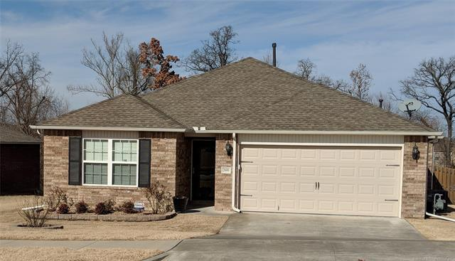 2600 W Huntsville Street, Broken Arrow, OK 74011 (MLS #1902485) :: American Home Team