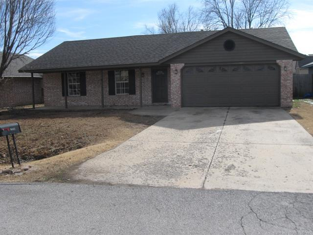 9442 E Sprucewood Street, Claremore, OK 74019 (MLS #1902529) :: RE/MAX T-town