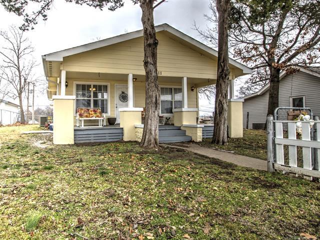 511 N Wilson Avenue, Sand Springs, OK 74063 (MLS #1902556) :: RE/MAX T-town