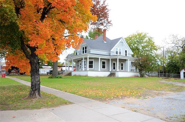 119 E 10th Avenue, Bristow, OK 74010 (MLS #1902706) :: Hopper Group at RE/MAX Results