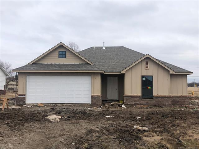 11607 N 191st East Place, Collinsville, OK 74021 (MLS #1902800) :: Hopper Group at RE/MAX Results