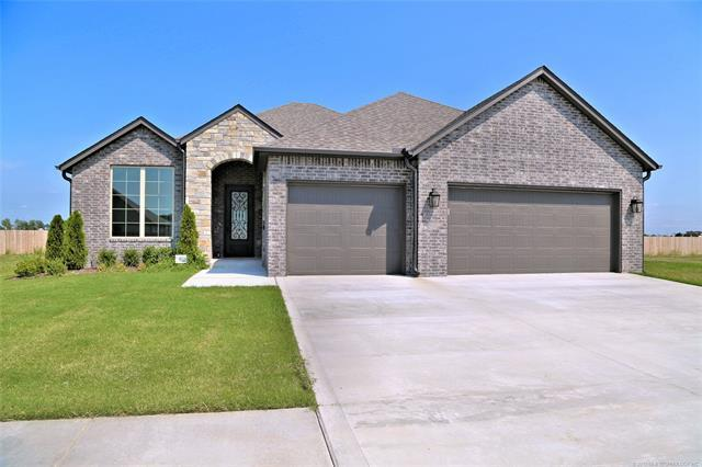 12431 S 75th East Avenue, Bixby, OK 74008 (MLS #1902900) :: Hopper Group at RE/MAX Results