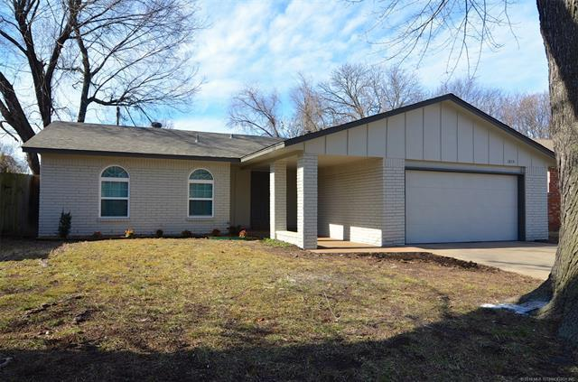 1814 S 7th Street, Broken Arrow, OK 74012 (MLS #1902951) :: Hopper Group at RE/MAX Results