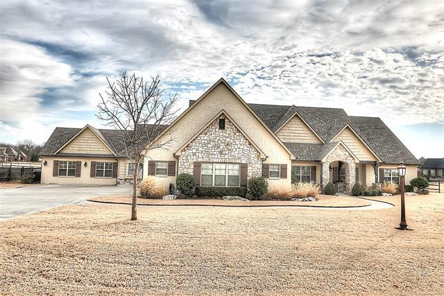 7025 E Wilderness Trail, Owasso, OK 74055 (MLS #1903037) :: Hopper Group at RE/MAX Results