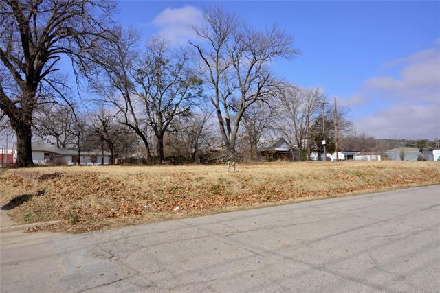 E Main Highway, Henryetta, OK 74437 (MLS #1904065) :: Hopper Group at RE/MAX Results
