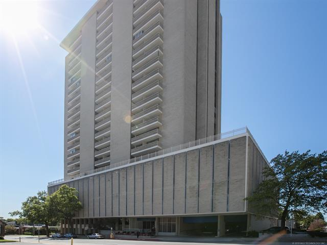 1502 S Boulder Avenue 15F, Tulsa, OK 74119 (MLS #1904264) :: Hopper Group at RE/MAX Results