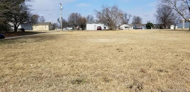 2300 Baltimore Street, Muskogee, OK 74401 (MLS #1904425) :: Hopper Group at RE/MAX Results