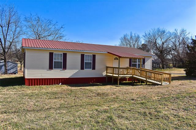 109 S 5th Street, Hartshorne, OK 74547 (MLS #1904652) :: Hopper Group at RE/MAX Results