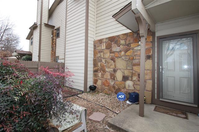 7901 E 66th Street 22E, Tulsa, OK 74133 (MLS #1904974) :: Hopper Group at RE/MAX Results