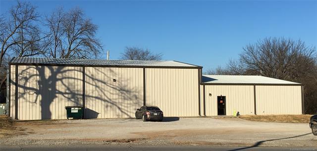 141 E 10th Avenue, Bristow, OK 74010 (MLS #1905870) :: Hopper Group at RE/MAX Results