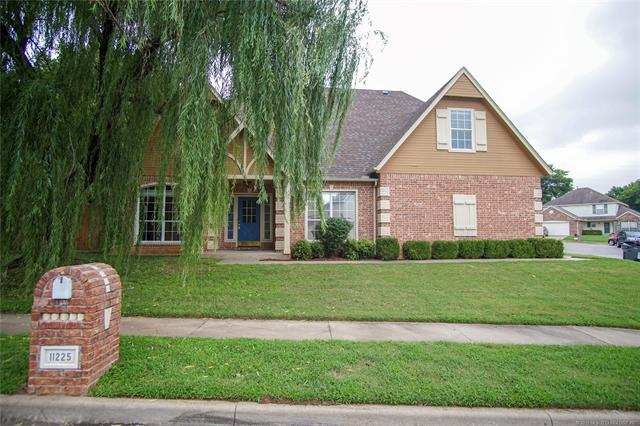 11225 S Locust Avenue, Jenks, OK 74037 (MLS #1905951) :: RE/MAX T-town