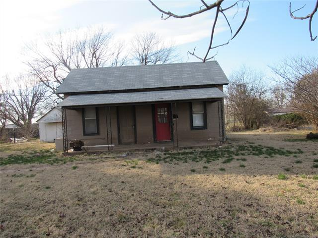 228 NW 6th Street, Checotah, OK 74426 (MLS #1905958) :: RE/MAX T-town