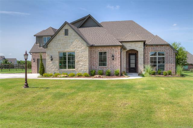 18604 E Persimmon Lane, Owasso, OK 74055 (MLS #1905960) :: RE/MAX T-town