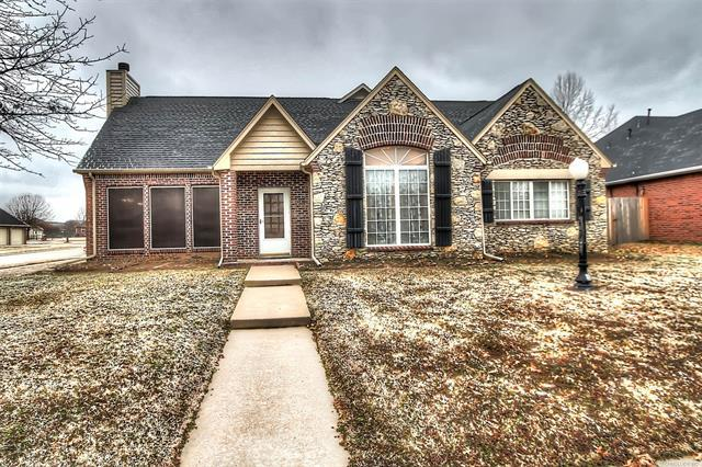 14258 N 108th East Avenue, Collinsville, OK 74021 (MLS #1906521) :: Hopper Group at RE/MAX Results