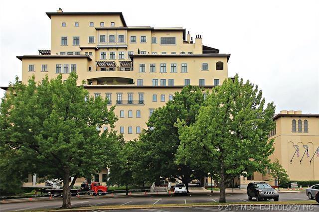 2100 S Utica Avenue #10, Tulsa, OK 74114 (MLS #1907154) :: Hopper Group at RE/MAX Results