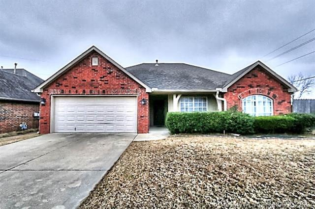 7524 N 134th East Place, Owasso, OK 74055 (MLS #1907621) :: Hopper Group at RE/MAX Results