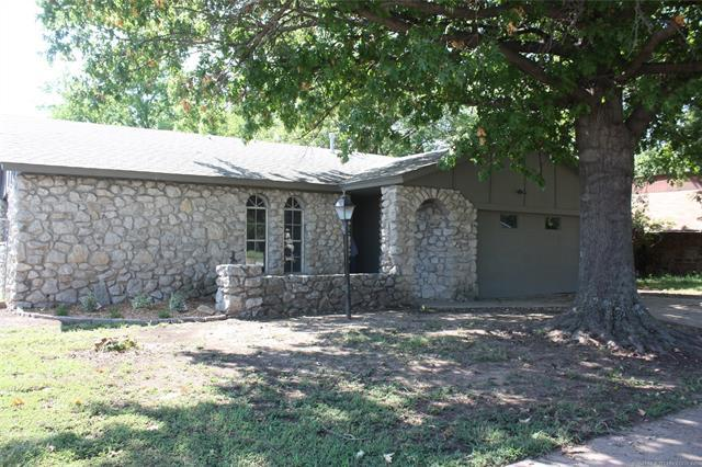 3036 S 132nd East Avenue, Tulsa, OK 74134 (MLS #1908568) :: Hopper Group at RE/MAX Results