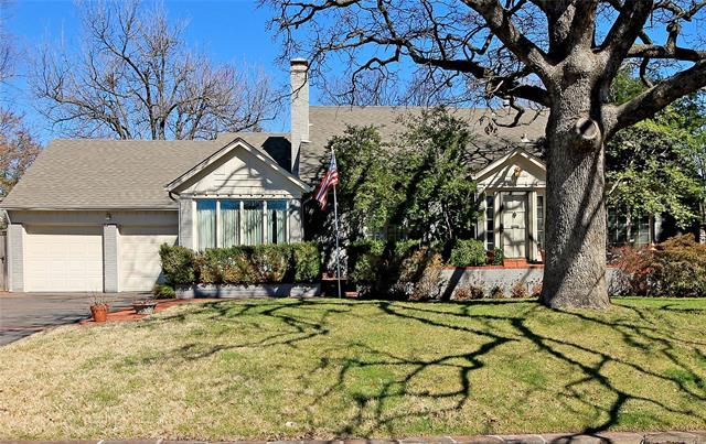 2227 E 25th Place, Tulsa, OK 74114 (MLS #1908962) :: Hopper Group at RE/MAX Results