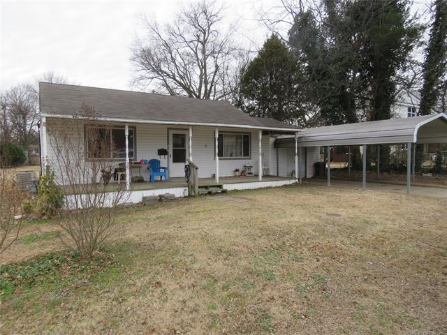 606 Chenault Avenue, Checotah, OK 74426 (MLS #1909387) :: Hopper Group at RE/MAX Results