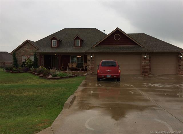 9477 E 139th Street, Collinsville, OK 74021 (MLS #1909687) :: RE/MAX T-town