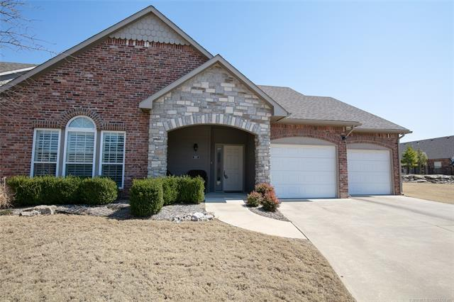5103 W Charleston Place, Broken Arrow, OK 74011 (MLS #1909701) :: American Home Team