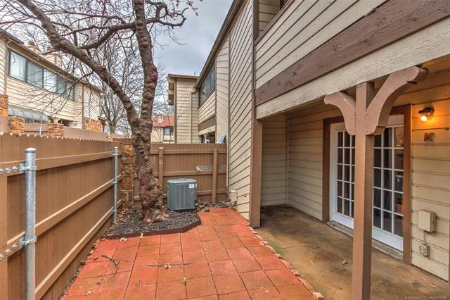 6382 S 80th East Avenue 31K, Tulsa, OK 74133 (MLS #1909923) :: Hopper Group at RE/MAX Results