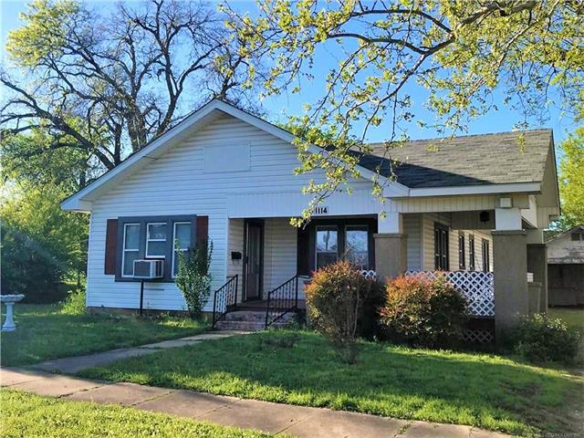 1114 W Vinita Street, Sulphur, OK 73086 (MLS #1910114) :: 918HomeTeam - KW Realty Preferred